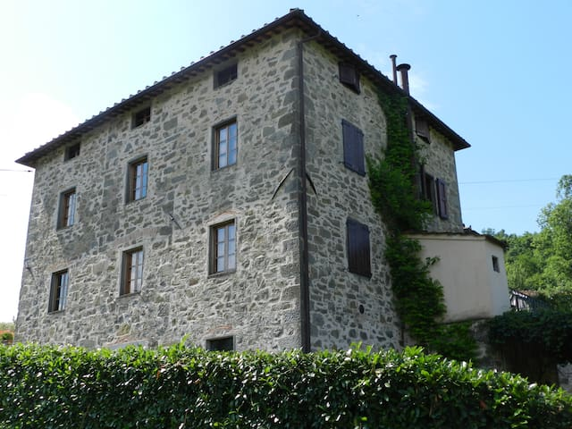 Cesa al 4 holiday house+pool - Bagni di Lucca - Leilighet