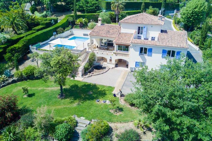 Villa Au calme Prox de Cannes avec Piscine