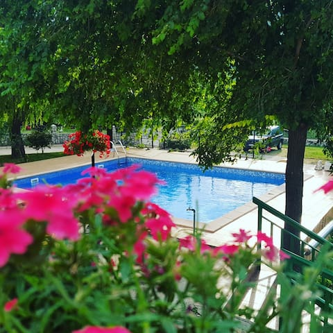 HOTEL AMICUS - Mostar - Bed & Breakfast