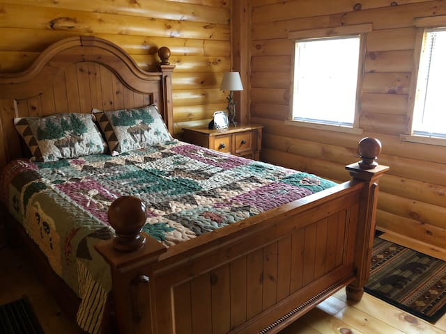 Avalanche log cabin/Bethel. Great monthly rates