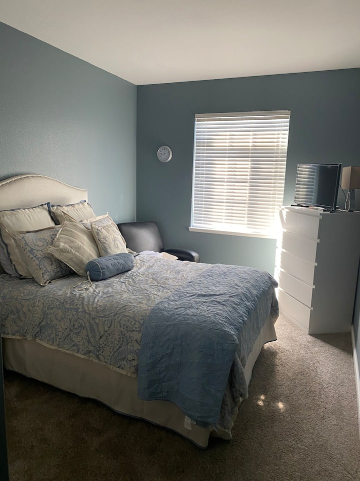 Beautiful bedroom perfect for a traveling Nurse