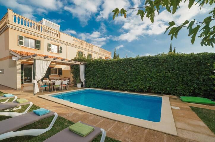 Chalet Alcúdia, private pool, wifi