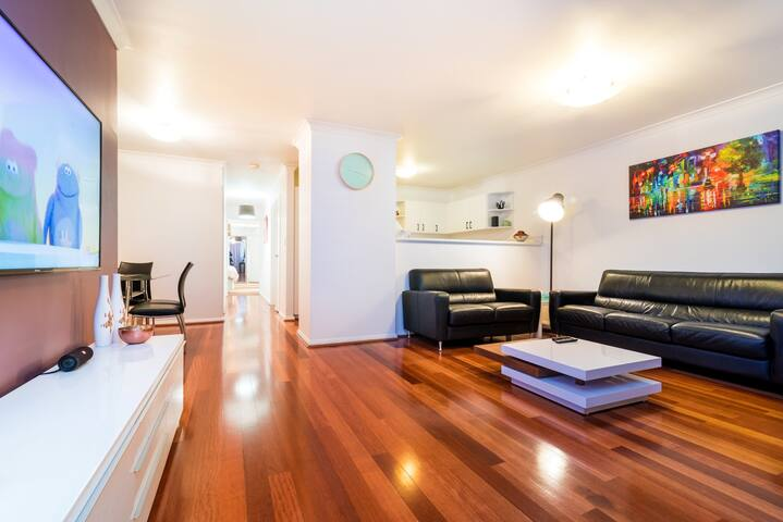 The Fitzgerald Apartment - Northbridge - Daire