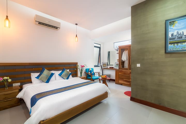 bedroom in upstairs