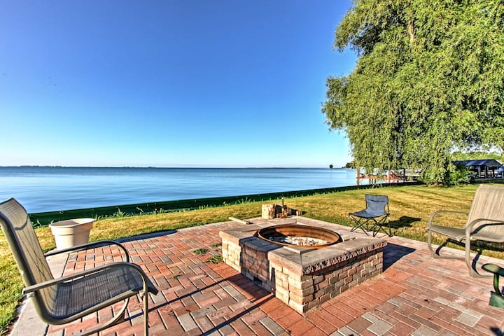Updated Lake St. Clair Cottage w/ Shared Amenities