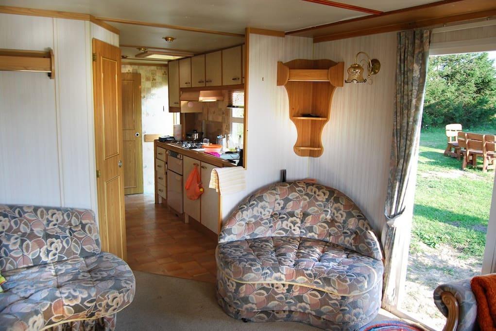 Pokój dzienny / aneks kuchenny domek 1