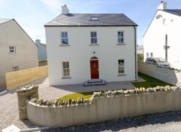 Lovely large detached house in central Strangford