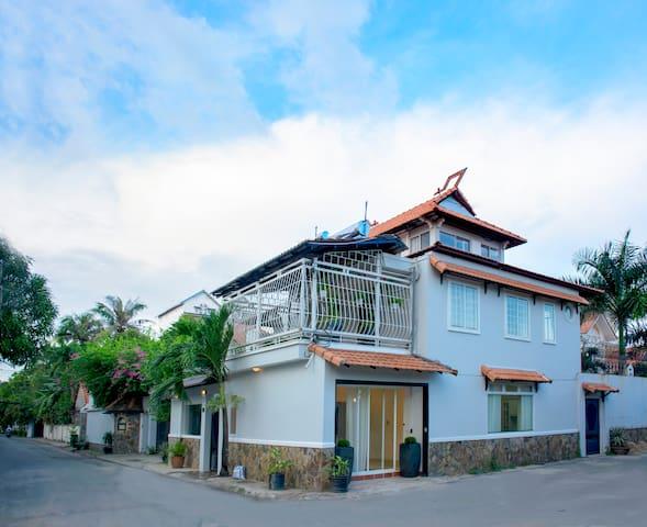 Great Villa in The Central Area District 2 - Ho Chi Minh City - Villa