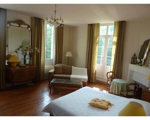 Tante Dorite family room