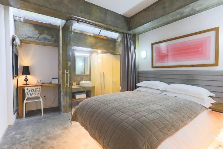杭州西湖灵隐有间房子度假小屋UHOUSE 邻溪大床房102