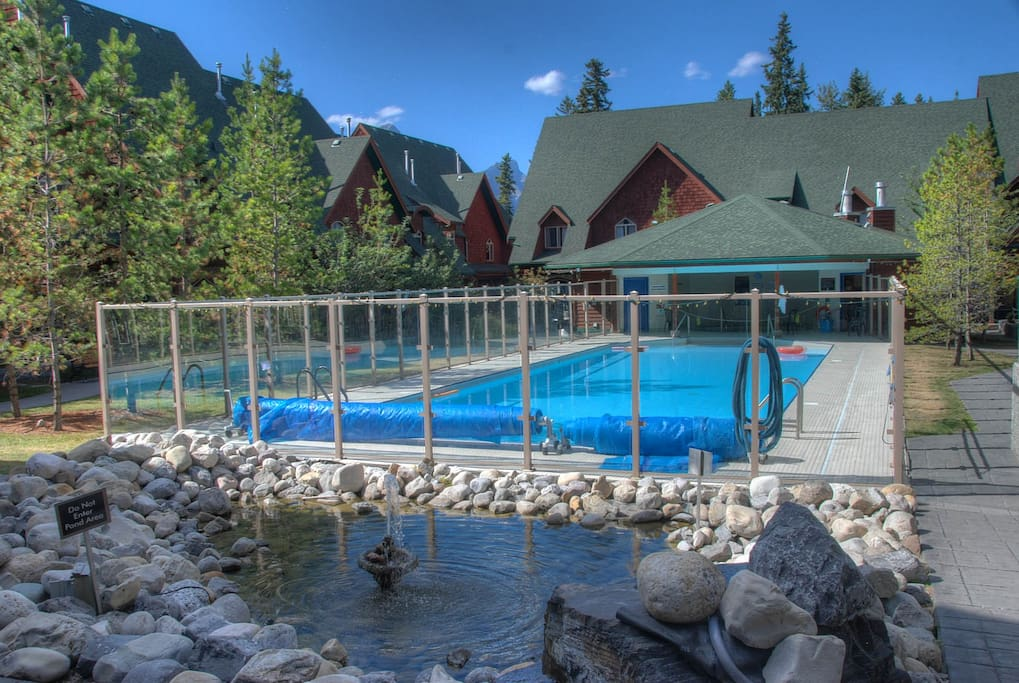 Large Outdoor heated pool and hot tub open year round
