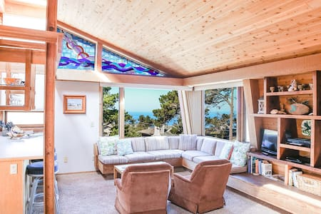 Hummingbird House in Charming Cambria