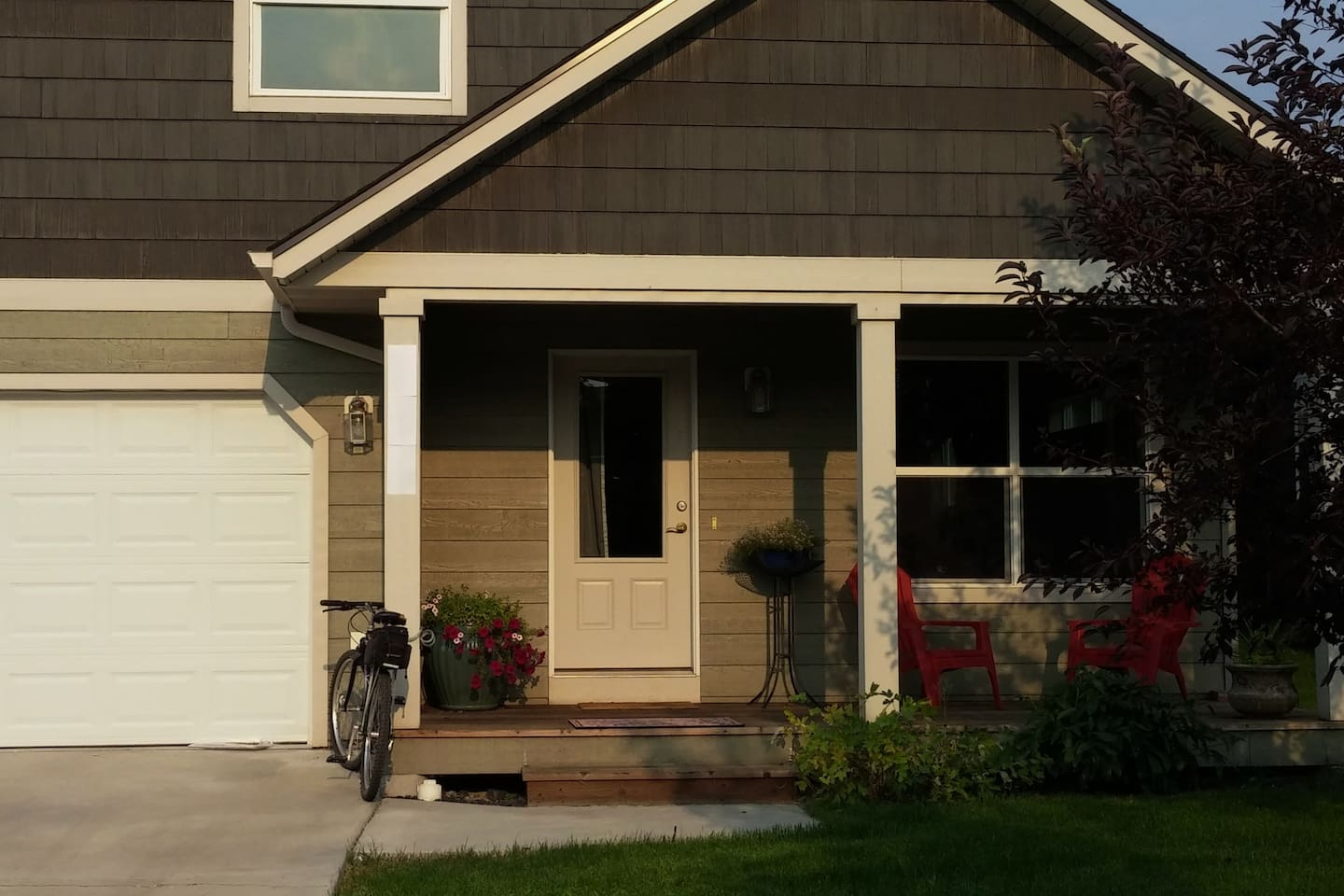 Cozy, clean private bedroom/bath in NW Bozeman - Houses for Rent in ...