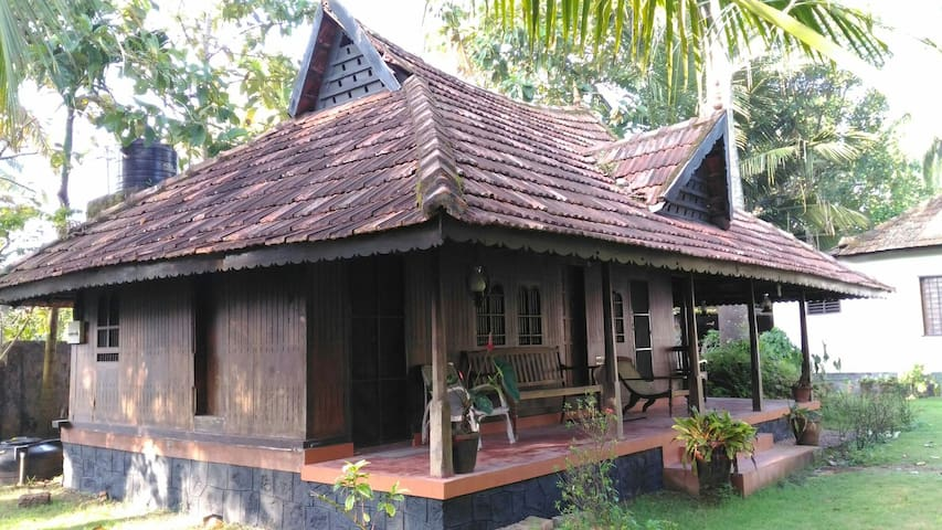 Solace Heritage Homestay - Room 1 - Alappuzha - Penzion (B&B)