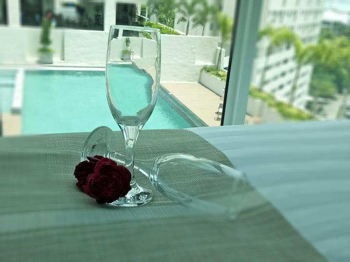 Pool view suite , Georgetown @ 市区套房★ NETFLIX 💕