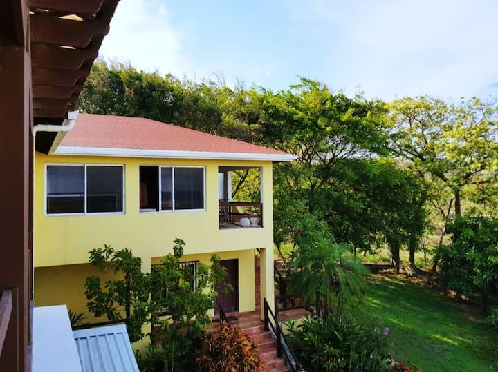 Panoramic Two Bedroom Villa in Brick Bay Roatan