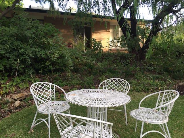 Wilpena Garden Cottage - 2 bedrooms