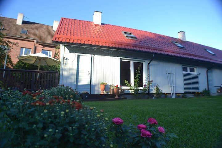 Rähni Holiday Home with sauna and terrace.