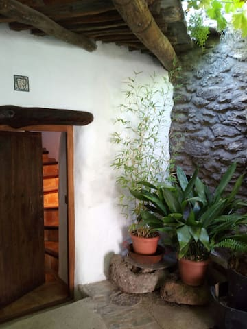 Restored granary in Sierra Nevada - La taha, Granada - Haus