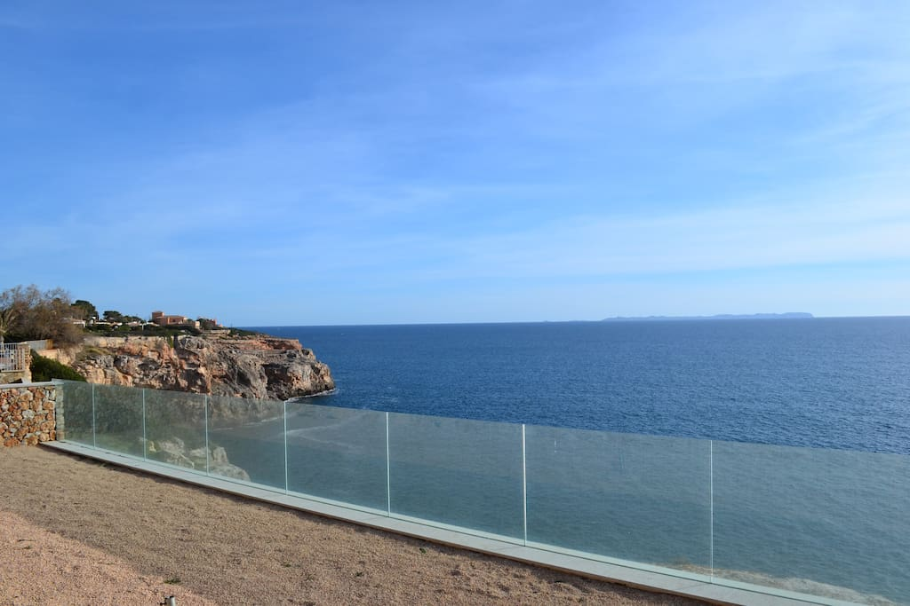 Lower part of backyard overlooking the sea.