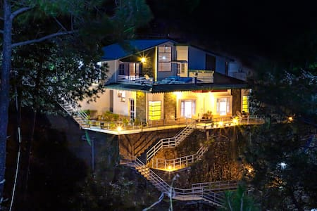 2 BHK Mountain-View Cottage | Indoor Fireplace |