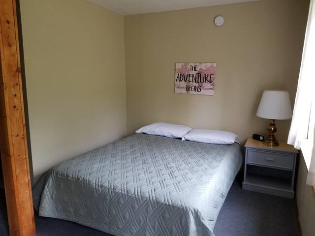 Salmon Run Lodge Room 6