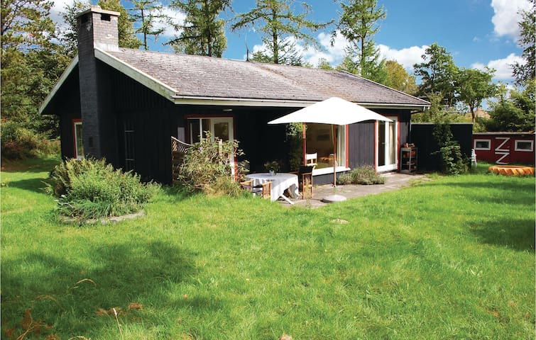 Holiday cottage with 2 bedrooms on 90 m² in Ebeltoft