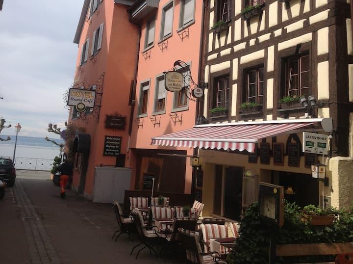 Gästehaus am Hafen, (Meersburg), Doppelzimmer 4 Fachwerkhaus mit Dusche und WC