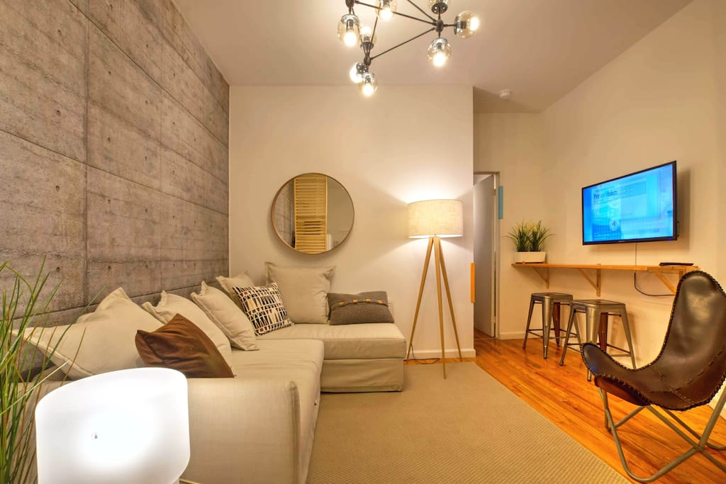 Amazing designer times square apartment beautiful for Beautiful apartments in nyc