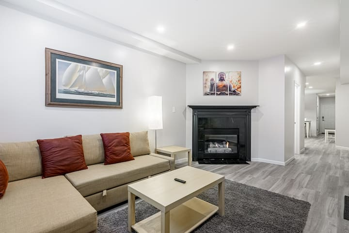 Idyllic West Town Retreat for 6 with Fireplace!