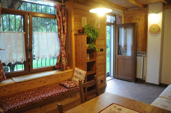 Camera in Susa con bagno privato angolo cottura