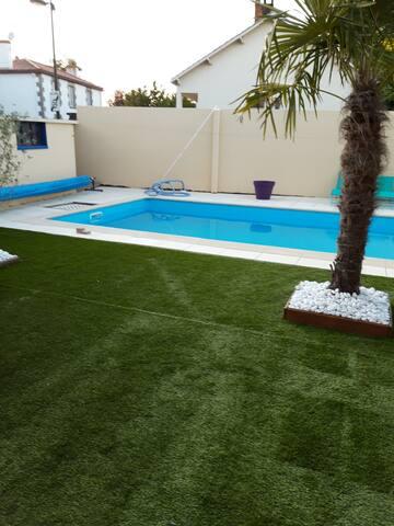 Étage privé dans maison Vendéenne avec piscine