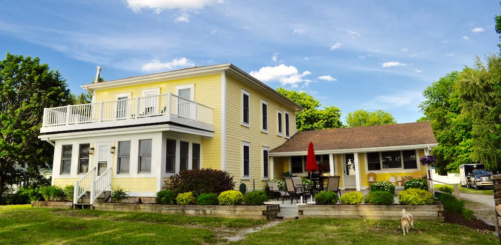 Sunset Villa - Lakefront House - Alburgh - House