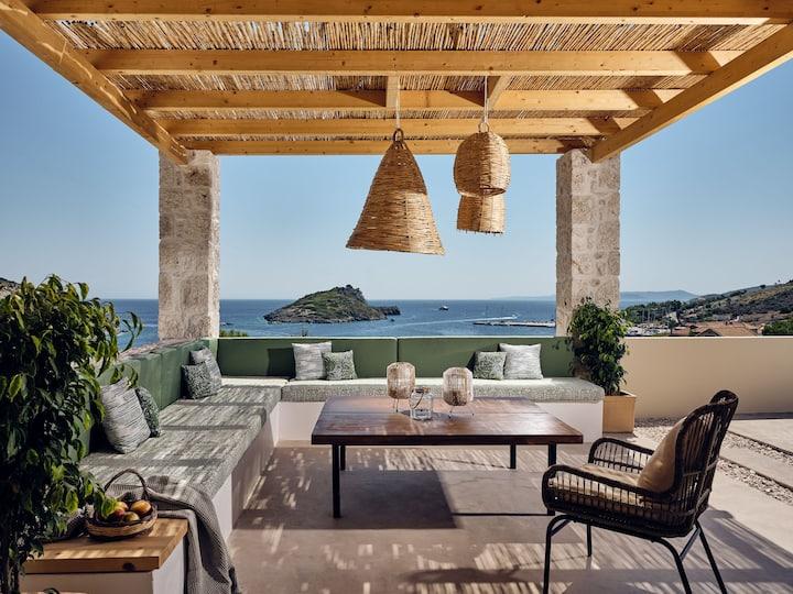 Apaggio Luxury 4-bedroom Villa