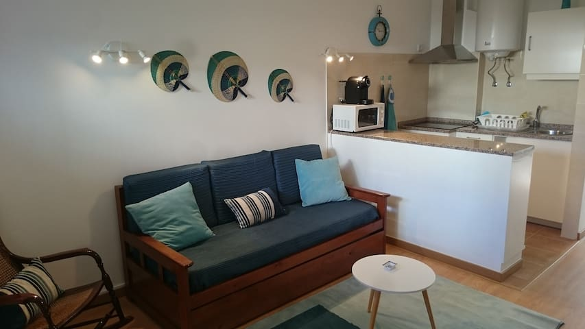 Brand new flat 10 min walk to the beach!