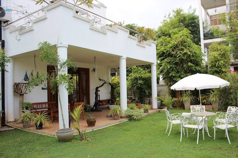 *SPECIAL 10% DISCOUNT APRIL* The Negombo Nook