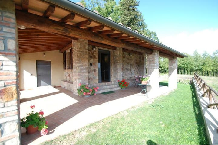 Romantic country barn, view, walk to Monticiano