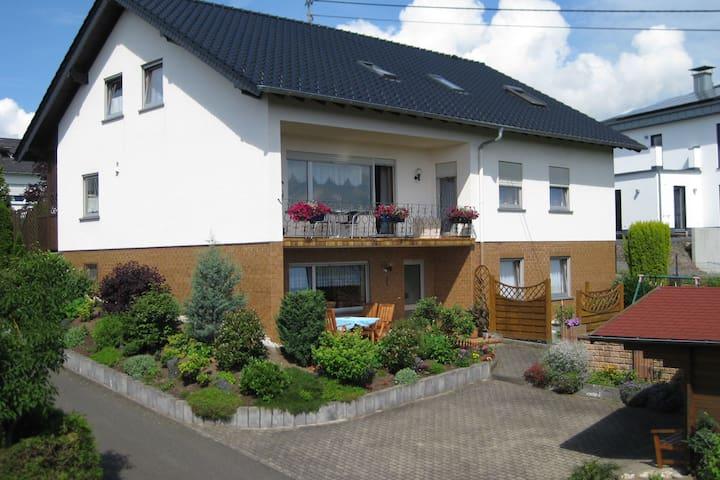 Spacious house (85 m) on the ground floor.