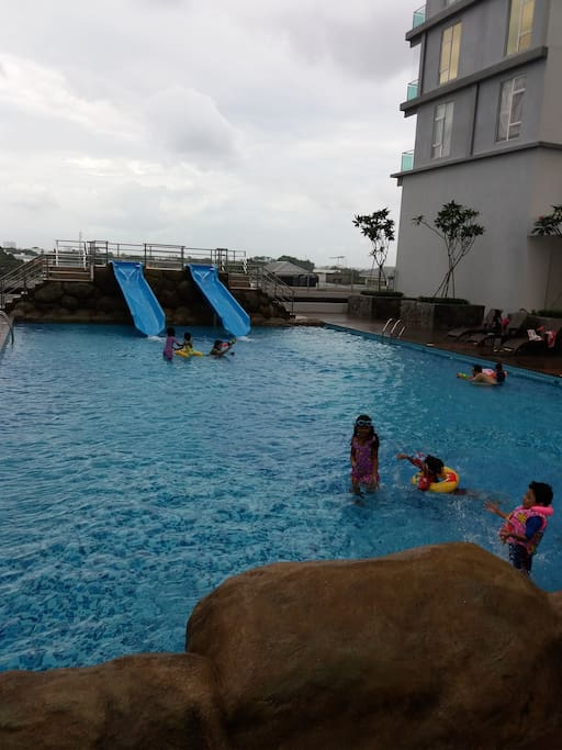 kids pool with awesome slide