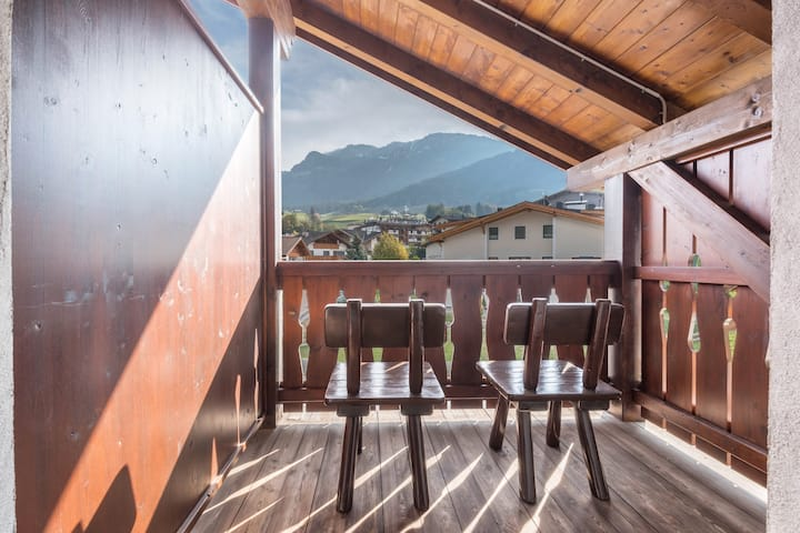 """Charming Apartment """"Ferienwohnung 9"""" near Seiser Alm with Mountain View, Wi-Fi, Balcony, Terrace, Jacuzzi, Garden & Sauna; Parking Available, Pets Allowed"""