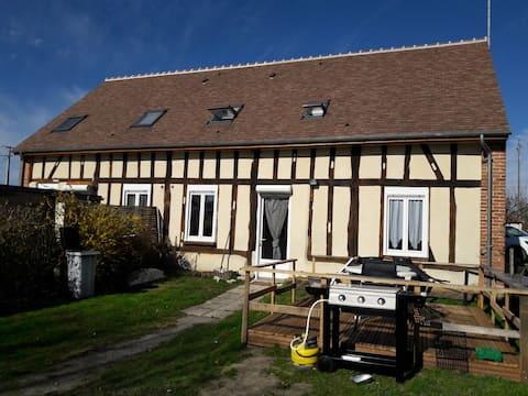 Maison de Glatigny à Noyers