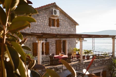 Luxury sea view App-Villa Serventi - Lepetane