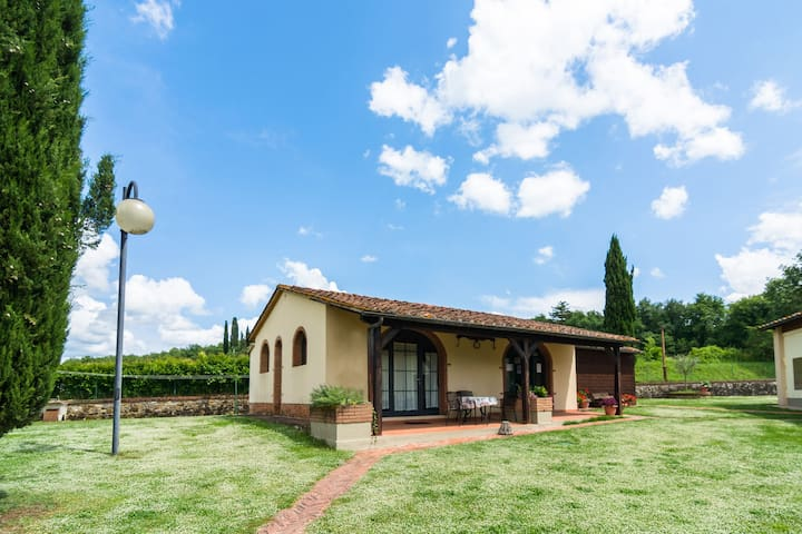 Cozy Farmhouse with Swimming Pool in Bucine