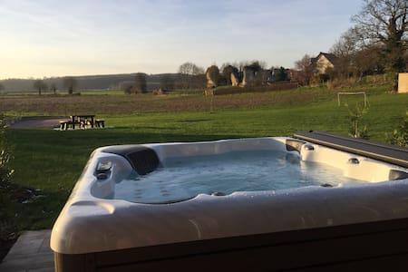 Chaumiere piscine jacuzzi - Vatteville-la-Rue - Hus