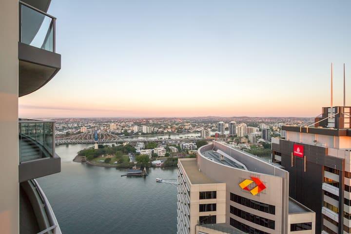Stunning Luxury Inner City Bedroom - Brisbane City - Apartament