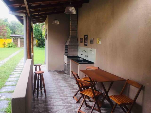 Casa á 400mts da praia de Boraceia II