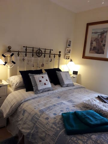 2 double bedrooms & bathroom  close to Cardiff