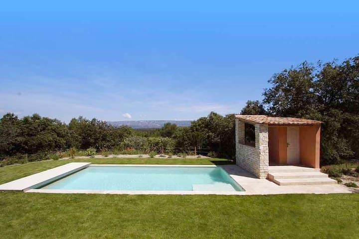 Villa en pleine nature au coeur de la Provence