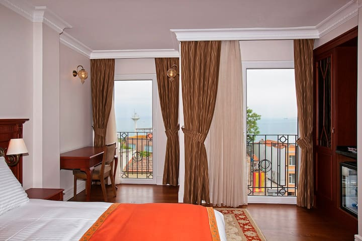Luxury hotel room in the real heart of Sultanahmet