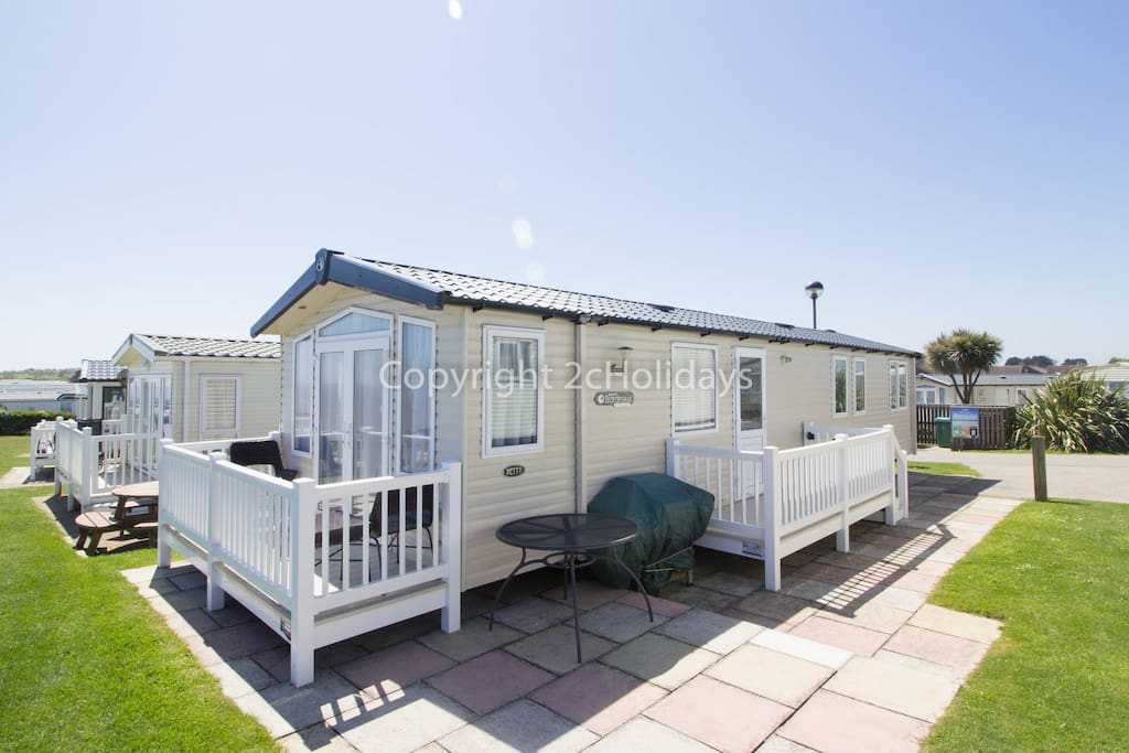 6 berth caravan for hire at Haven Hopton Holiday Village
